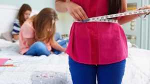 Как не пропустить первые признаки анорексии у дочки?