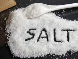Чем заменить соль при похудении: 7 альтернативных продуктов